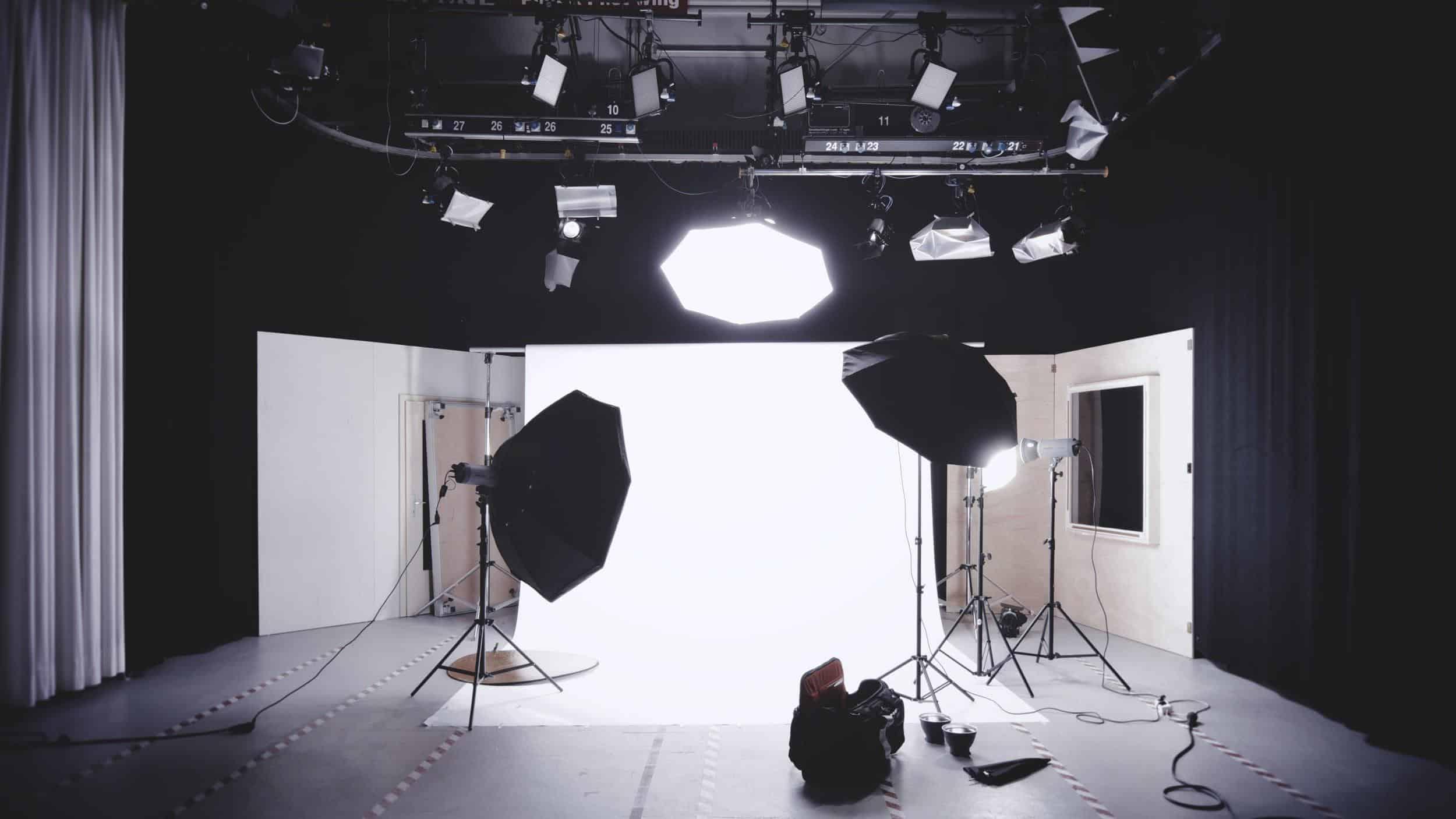 Miranda Paquet - Realtor Headshots: 15 Industry Experts Share Their Best Advice