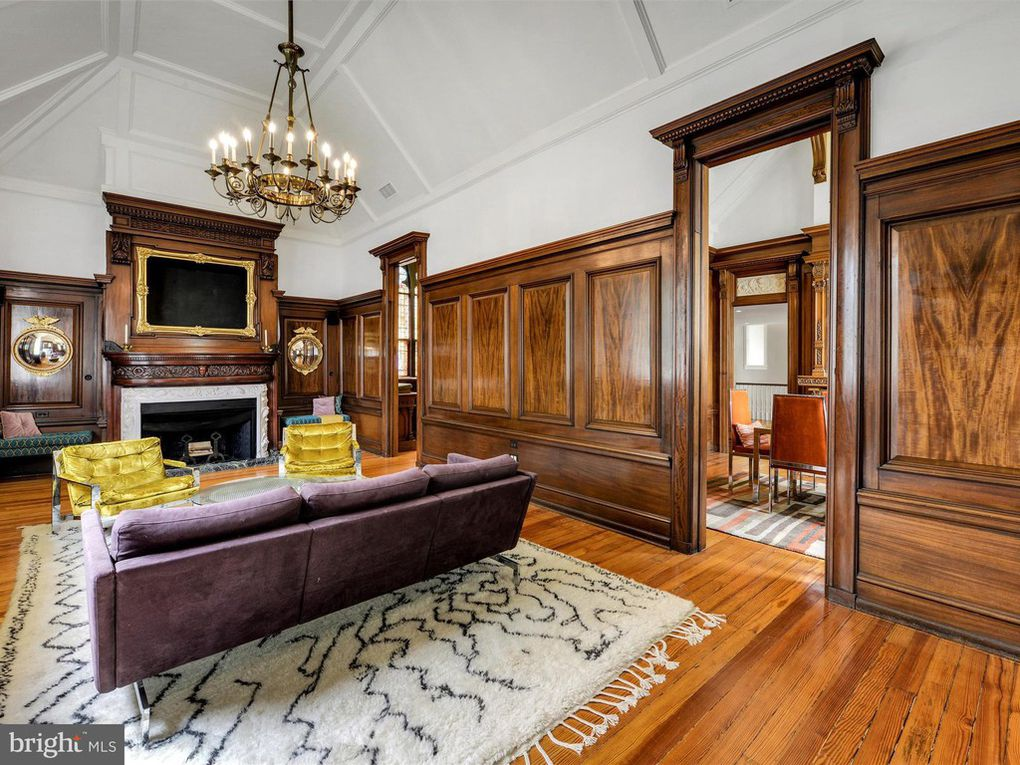 Elegant Victorian Homes on The Market This Fall