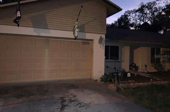 bad real estate photos: Garage