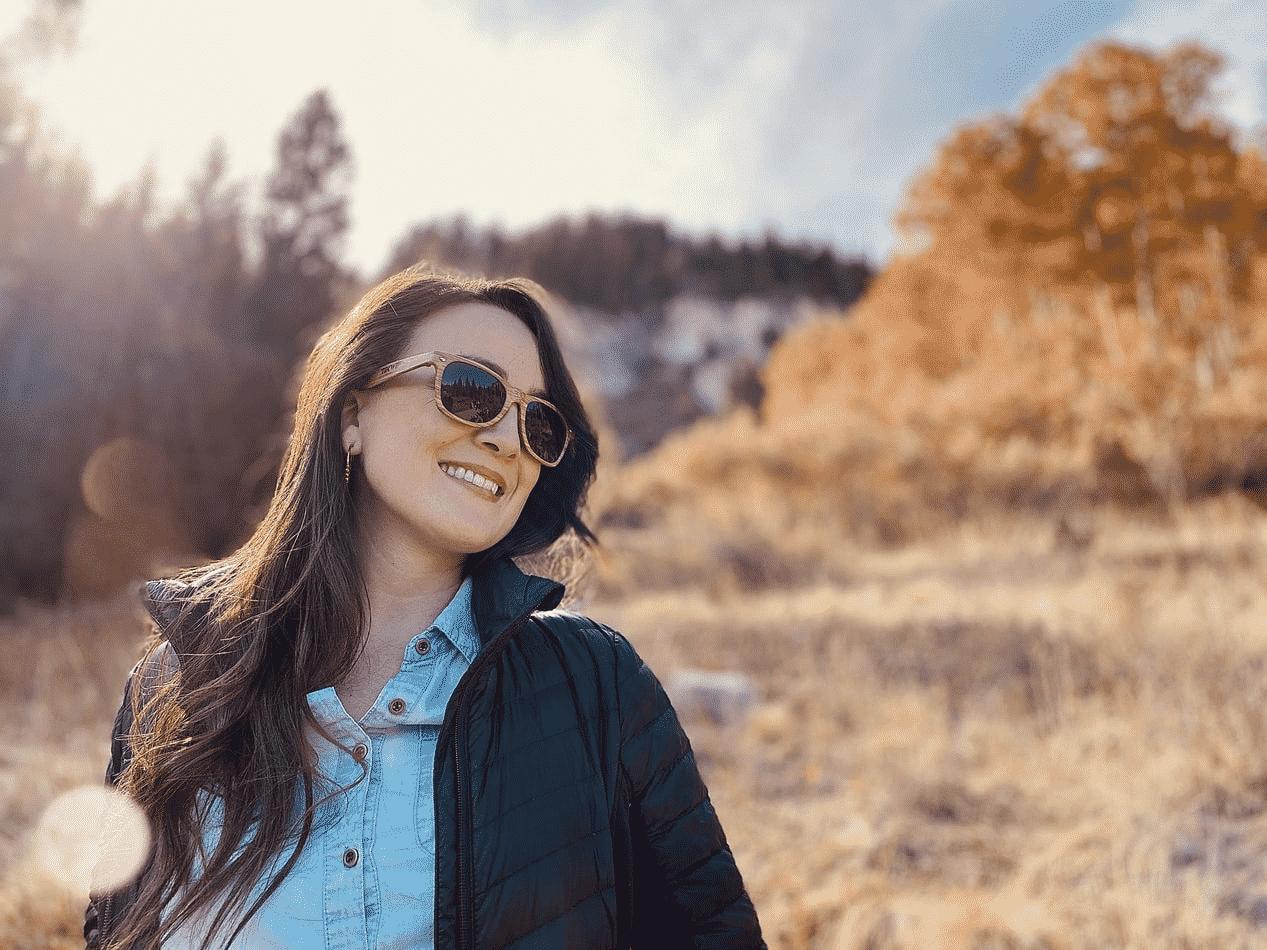 a woman wearing a sunglass