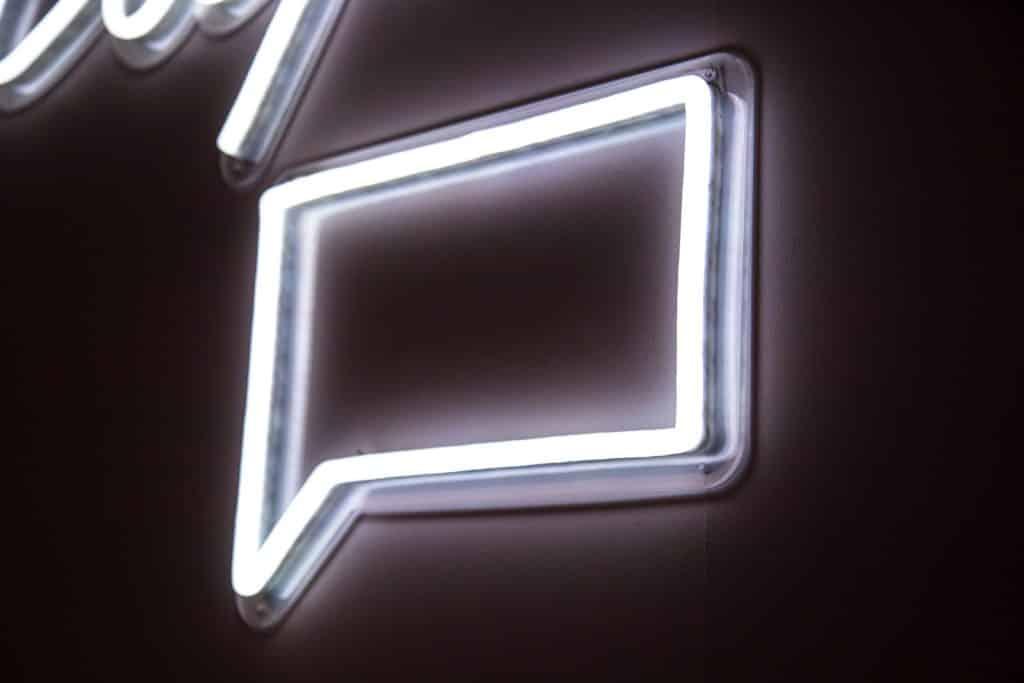 Voicemail Logo Light