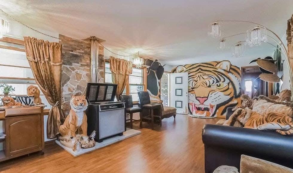 Tiger themed room