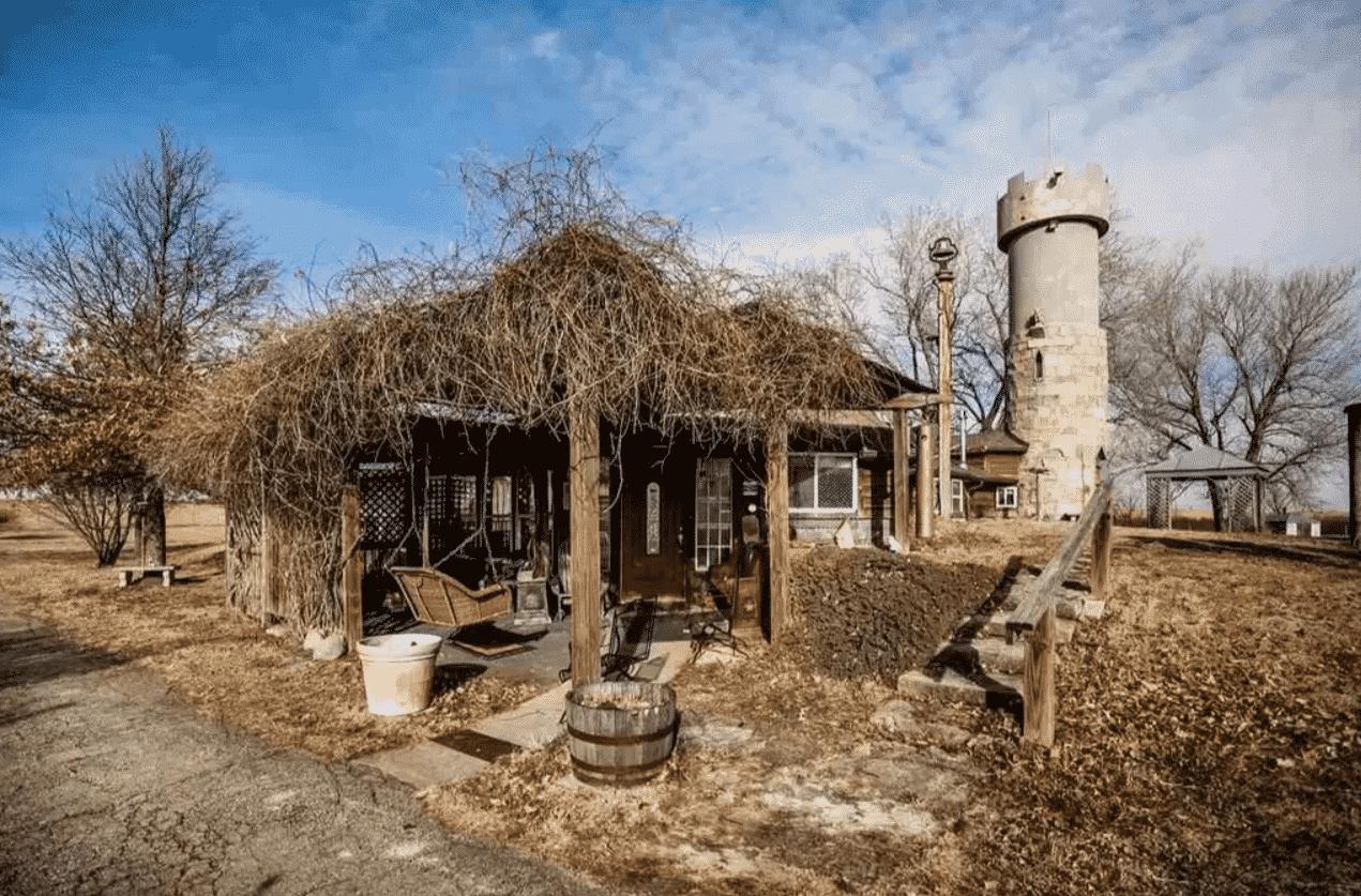 cozy cabin in Eskridge Kansas