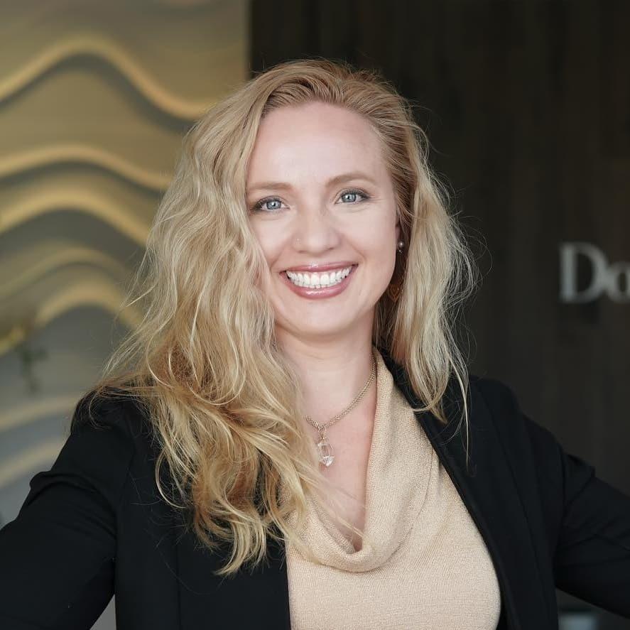 Laura Marie, Agent, Douglas Elliman Florida